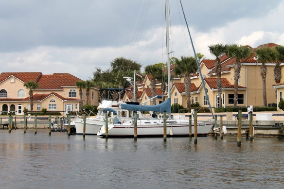 There are some mighty nice homes and boats along the Intracoastal!