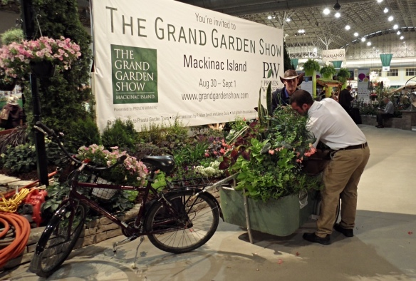 A little piece of Mackinac - in Chicago!  Jill was recently there and ran across Jack Barnwell (who does much of the awesome landscaping on the island).  Jack was speaking at the Chicago Flower and Garden Show at Navy Pier and sat up an exhibit that had everyone talking!