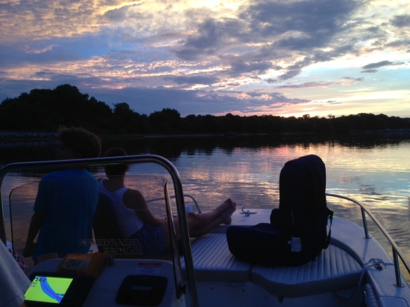 . . . then took the boat out again at sundown.  It's times like these that assure us we've made the right decision in moving to Florida.