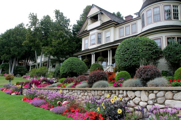 One of my all-time favorite Bluff cottages!